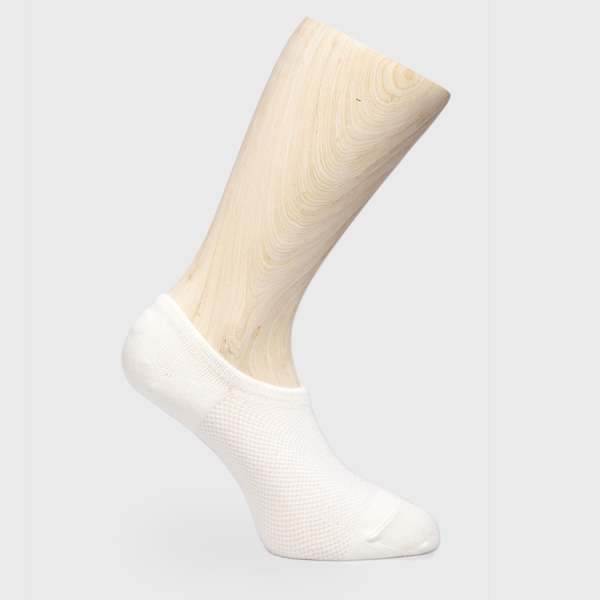 Hvit ankelsokk av typen bambussokk fra Bambusa